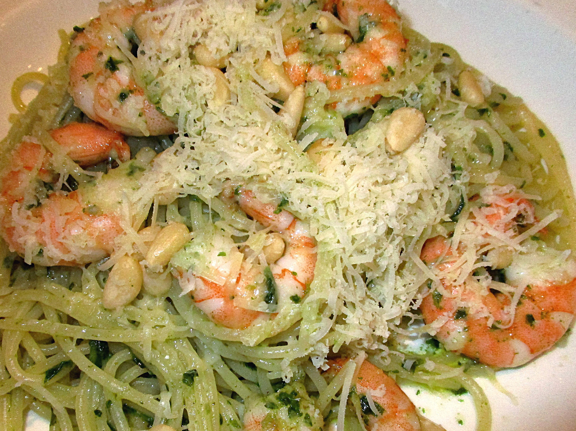 recette spaghetti aux crevettes roses et pesto